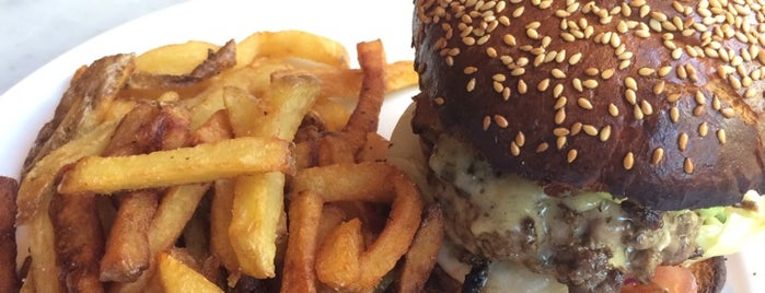 Cantine California is one of Best Burger in Paris.