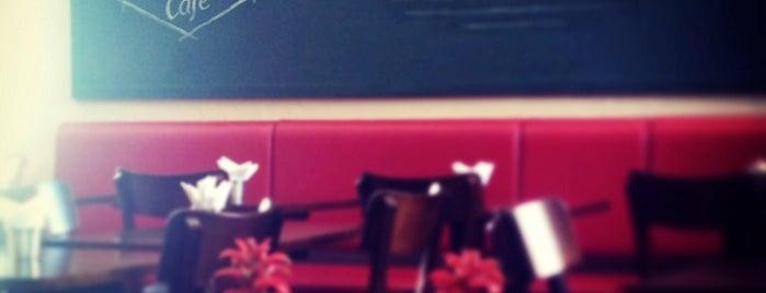 Tarragona Café is one of Locais curtidos por Anna Carolina.