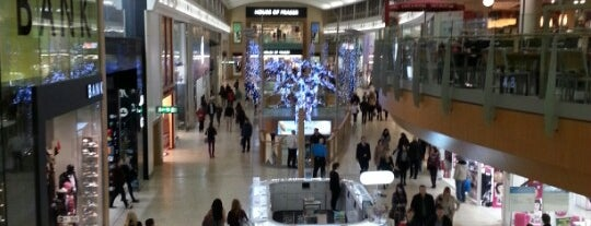 intu Chapelfield is one of Locais curtidos por Paul.