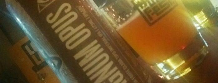 Hops cervejas especiais is one of Happy Hour.