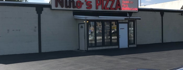 Nino's Pizza is one of Pizza Pizza Pizza.