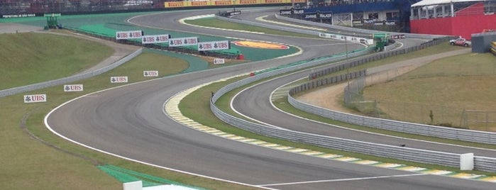 Autódromo José Carlos Pace (Interlagos) is one of สถานที่ที่ Bruno ถูกใจ.