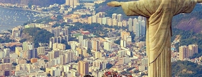 Cristo Redentor is one of Locais curtidos por Lucas.