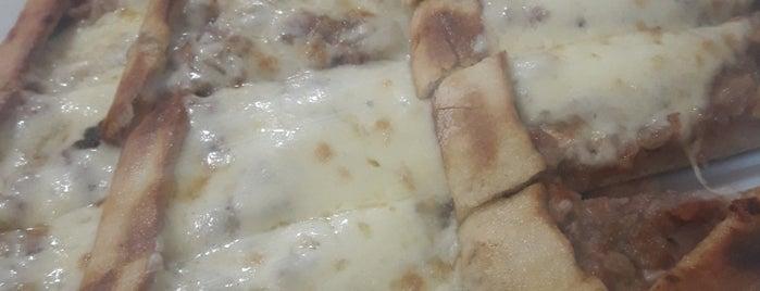Övünç Pide & Pizza is one of Ibrahim 님이 저장한 장소.