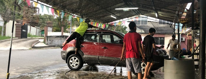 Car Wash is one of Posti che sono piaciuti a S.