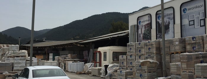 Topaloğlu İnş  Mlz is one of Lugares favoritos de hamza.