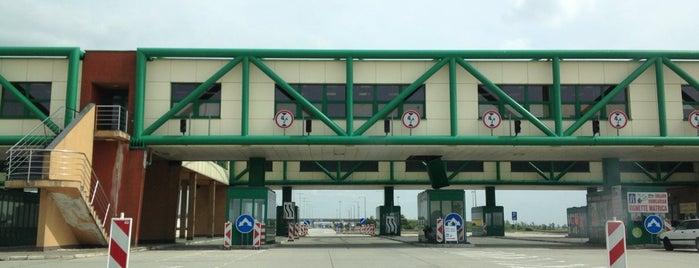 Štátna hranica | Határátkelőhely | Border crossing [SK/HU] is one of Travel Bucket List.