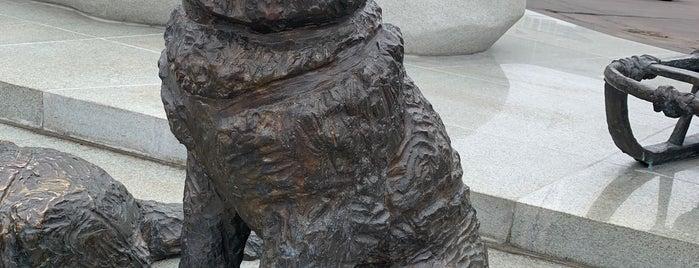 Памятник первопроходцам и исследователям Арктики is one of Posti che sono piaciuti a Stanislav.