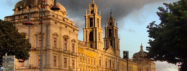 Palácio Nacional de Mafra is one of Rute 님이 저장한 장소.