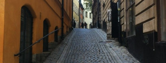 Gamla Stan is one of Lugares favoritos de Helena.