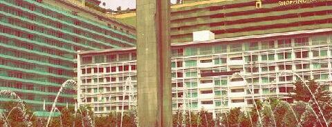 Bundaran Hotel Indonesia (Monumen Selamat Datang) is one of Djakarta, ID..
