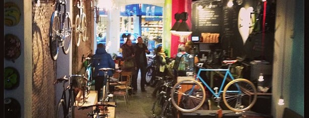 Lola Bikes and Coffee is one of The Hague / Rotterdam.