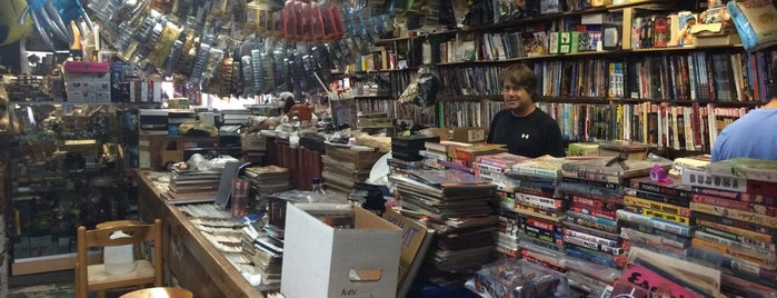 A&M Comics and Books is one of Orte, die Diego gefallen.
