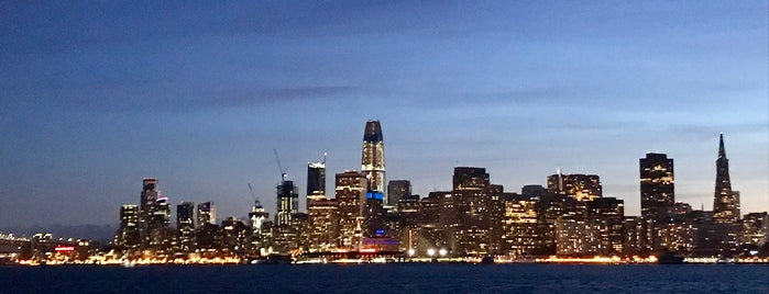 Golden Gate Bay Cruise is one of Tempat yang Disukai Karen.
