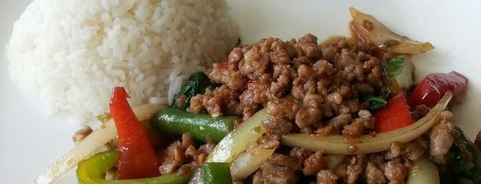 Sopah Thai Kitchen is one of Posti che sono piaciuti a Zoë.