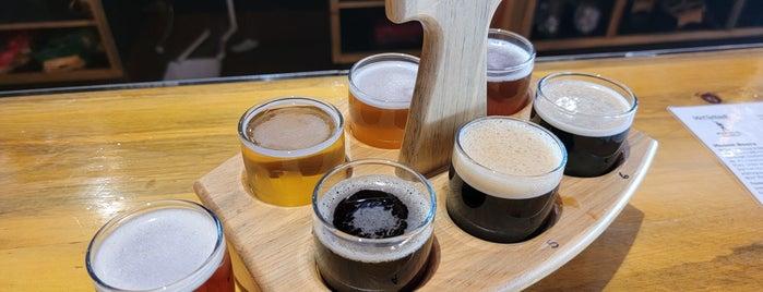 McClellan's Brewing Company is one of Mo'nun Beğendiği Mekanlar.