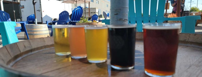 Three Weavers Brewery is one of LA To Do.