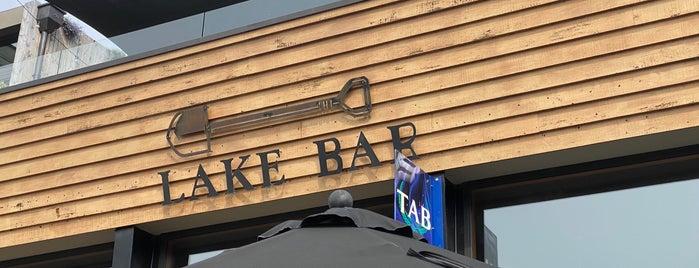 Lake Bar is one of Simona'nın Beğendiği Mekanlar.
