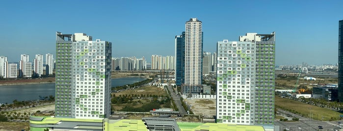 Holiday Inn Incheon Songdo is one of Meriさんのお気に入りスポット.