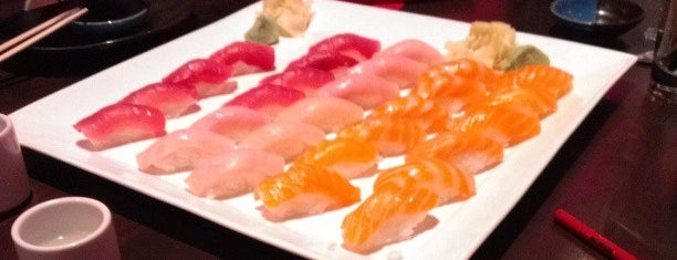 RA Sushi Bar Restaurant is one of Vegas Places with Check-In Deals.