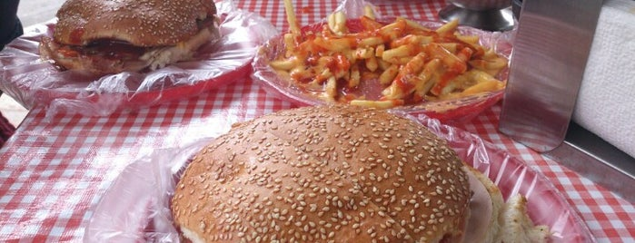Booguie's Burger is one of Posti salvati di Oscar.