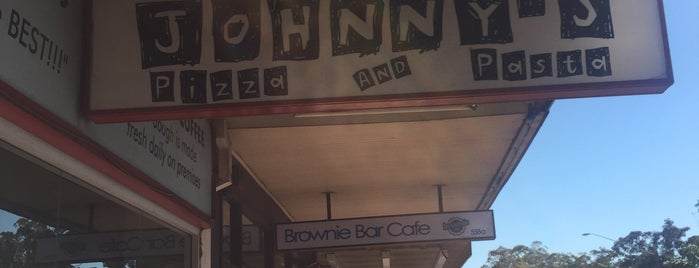 Johnny's Pizza and Pasta is one of Mountain/ 님이 저장한 장소.