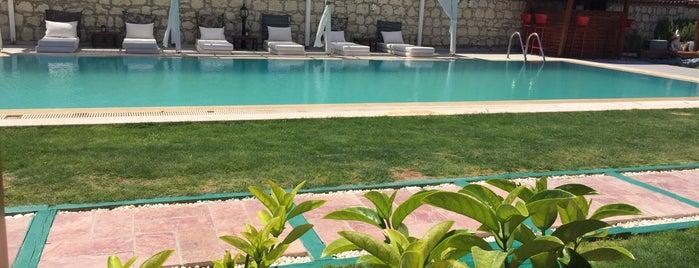 360 Kemerlihan Deluxe Hotel is one of สถานที่ที่ Eser Ozan ถูกใจ.