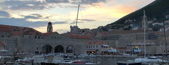 Gradska Luka (Old Port) is one of Lugares favoritos de Eser Ozan.