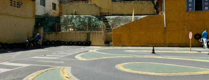 Auto Escola Ouro de Minas is one of Bons.