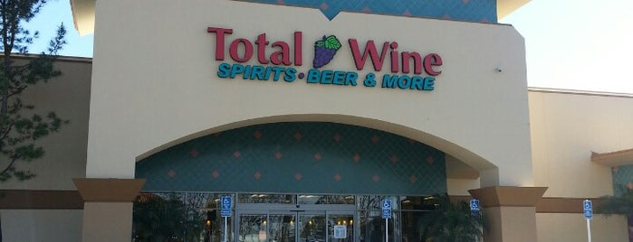 Total Wine & More is one of Lieux qui ont plu à Alyssa.