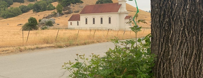 Old St. Mary's of Nicasio Valley is one of Locais salvos de Aaron.