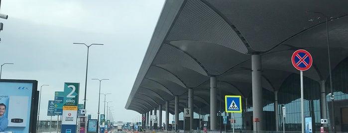 Dış Hatlar Gidiş Terminali is one of Locais curtidos por Garen.