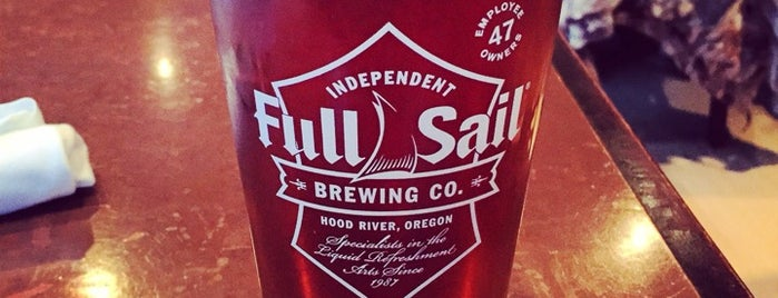 Full Sail Brewing Co. is one of Tempat yang Disukai Crispin.