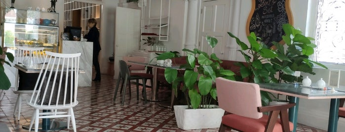 Living Room is one of Café | Penang.
