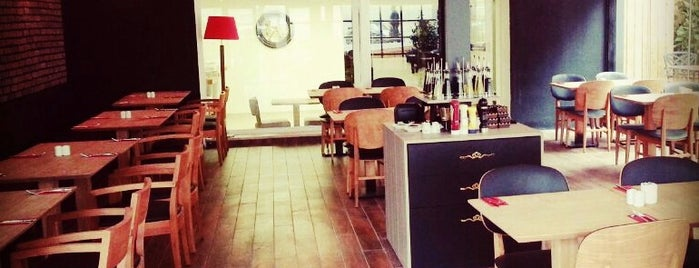 Break Cafe|Restaurant|Bar is one of Locais curtidos por TC Özlem.