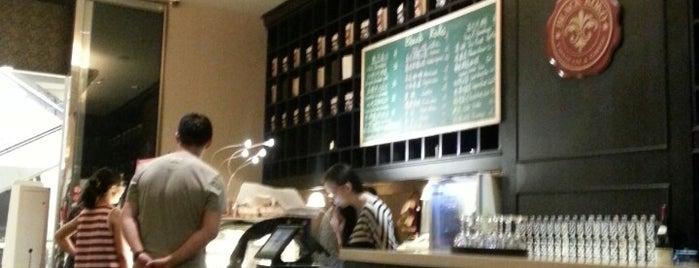 Black Koko Chocolate & Caffee is one of Пекин.