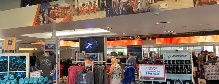 Space Shop is one of Lieux qui ont plu à Michael.