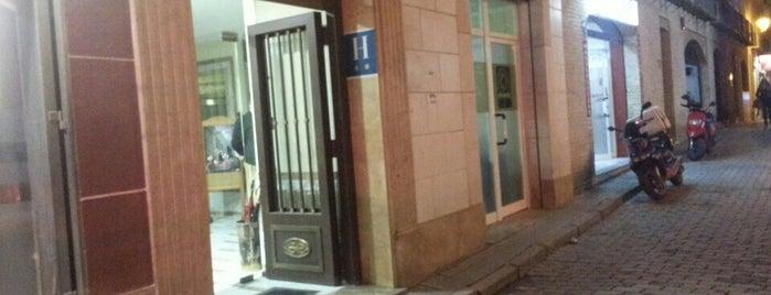 Hotel Al-Yussana is one of Donde comer y dormir en Lucena.