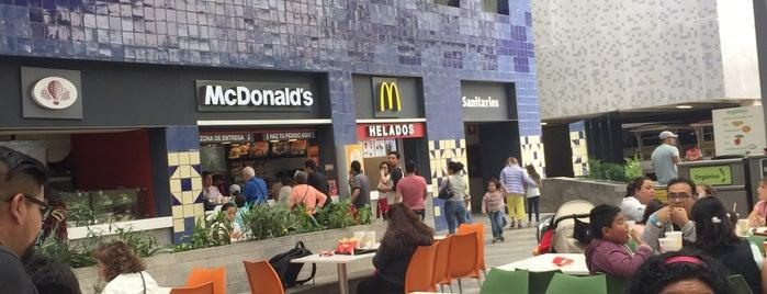 Área de comida Museo Papalote (fast food) is one of Lieux qui ont plu à juan.