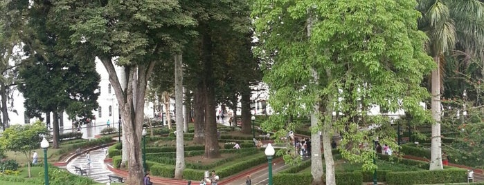 Parque Caldas is one of Fez : понравившиеся места.
