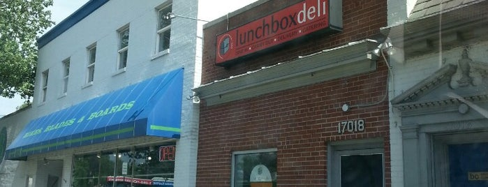 Lunchbox Deli is one of Tempat yang Disukai Neil.