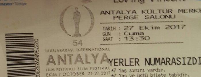 54.Uluslararasi Film Festivali is one of Şebnem'in Beğendiği Mekanlar.