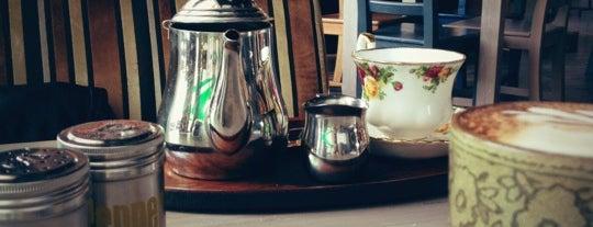 Honey & Bread Tea Room Mumbul is one of Одесса.
