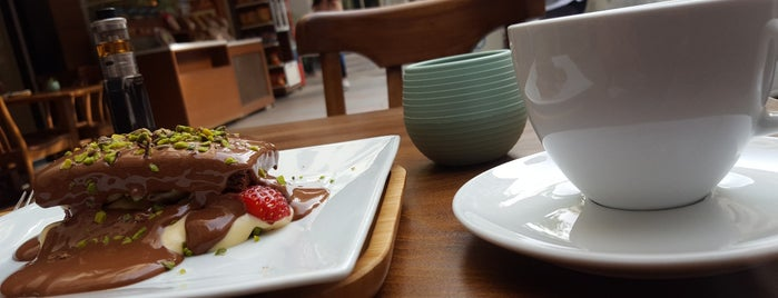 Nükte Çikolata & Kahve is one of 📍#2 izmir | GASTRONAUT'S GUIDE.