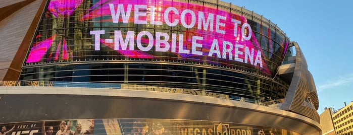 T-Mobile Arena is one of Locais curtidos por Brandon.