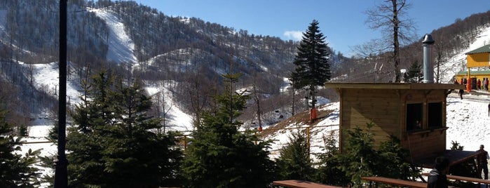 Kartepe Ski Station is one of Yasemin'in Kaydettiği Mekanlar.