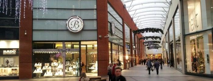 Eden Shopping Centre is one of Lugares favoritos de Laura.