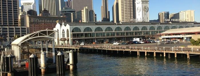 Gate E - Alameda/Oakland/Harbor Bay Ferry Dock is one of Locais curtidos por Sam.