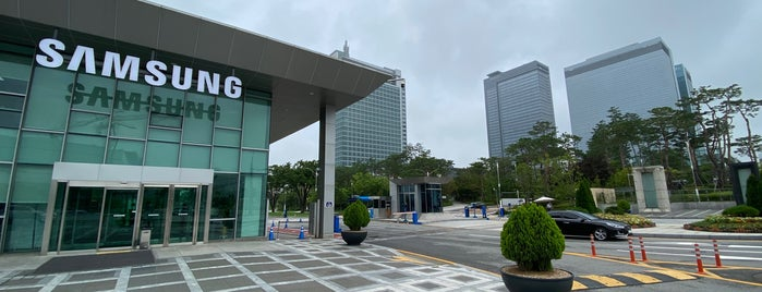 Samsung Electronics Digital City is one of Ricardoさんのお気に入りスポット.