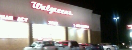 Walgreens is one of Crispin 님이 좋아한 장소.